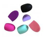 Brushegg Schwarz - Reinigungshilfe für Make-up Pinsel