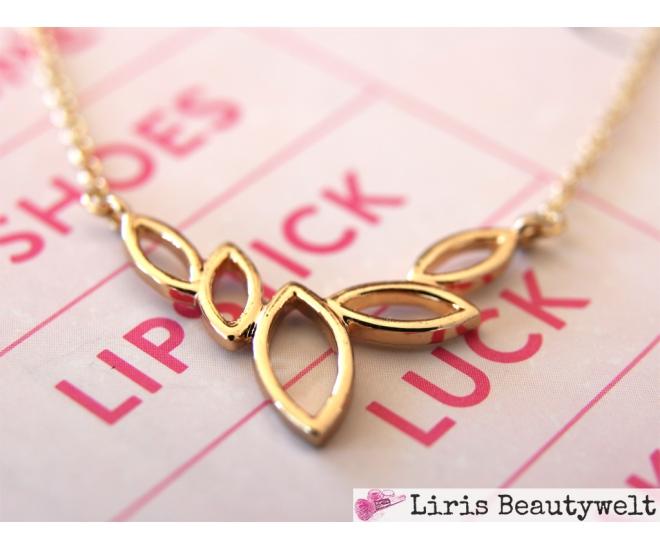 https://www.liris-beautywelt.de/3986-thickbox/halskette-blatter-gold.jpg