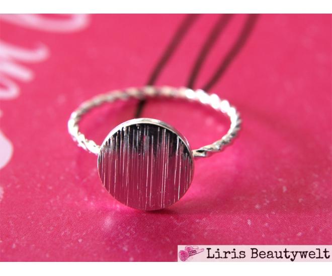 https://www.liris-beautywelt.de/3992-thickbox/ring-dot-silber.jpg